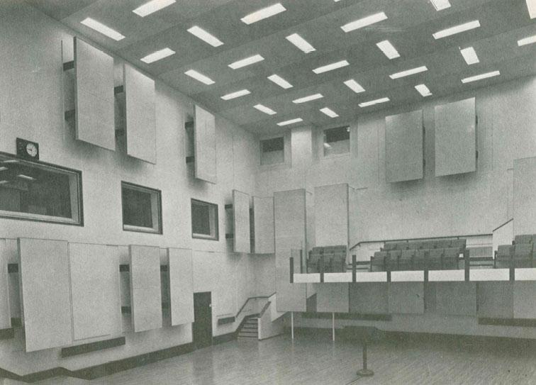 Studio 106 de la Maison de la Radio en 1963 / Archives écrites de Radio France
