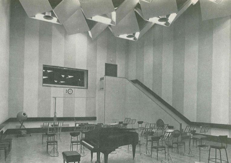 Studio 107 de la Maison de la Radio en 1963 / Archives écrites de Radio France