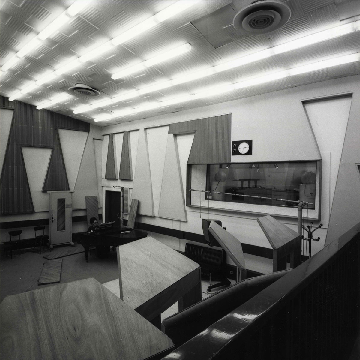 Studio 111 en 1963 / Archives écrites de Radio France